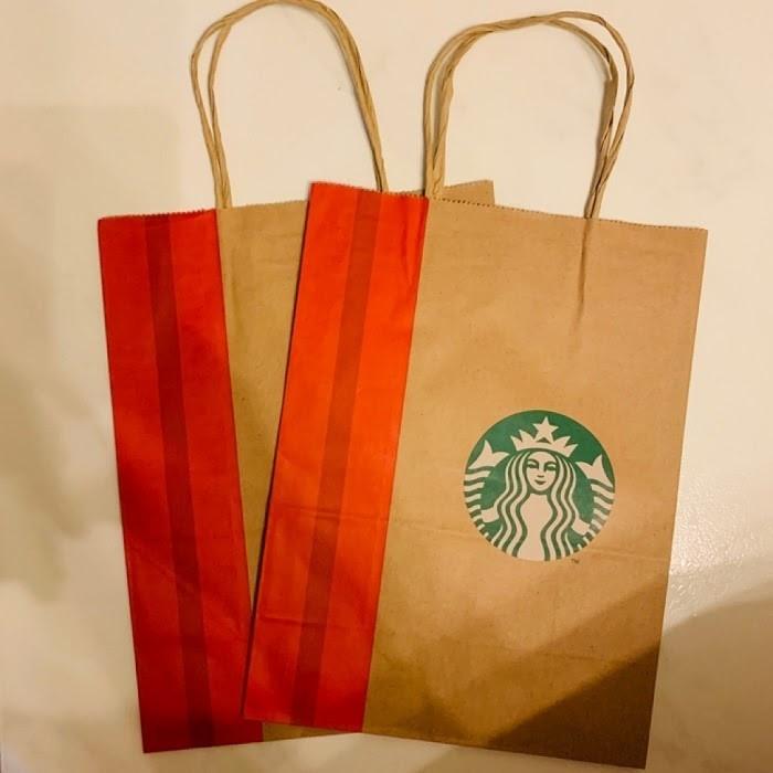 Starbuck là một trong những thương hiệu tiên phong sử dụng túi giấy